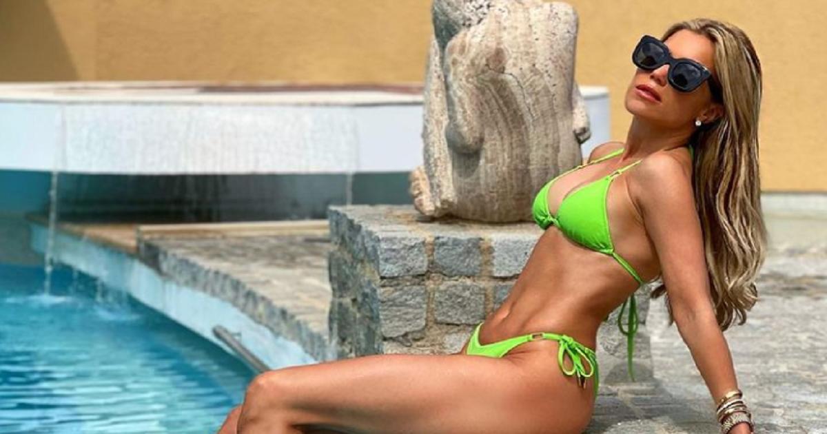 Sylvie Meis aan het zwembad